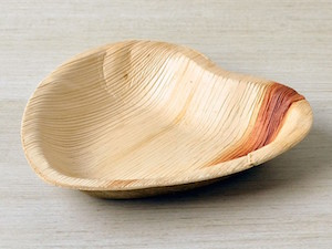 "6"" Heart Shaped Palm Leaf Plate - Pack of 25"